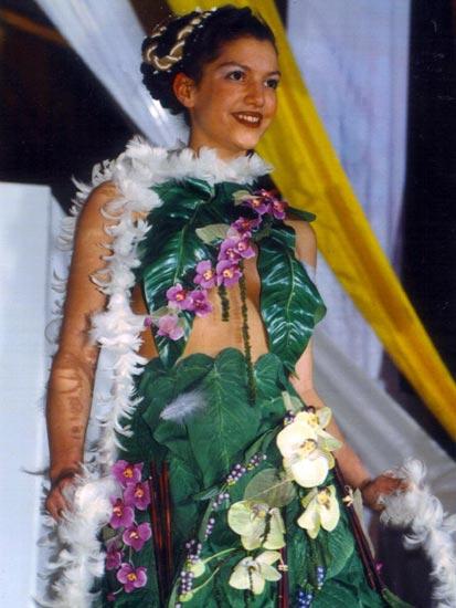 Vous visionnez les photos du défilé : Novembre 2000